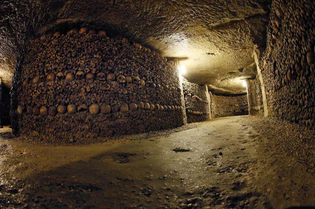 1-catacombele-din-paris