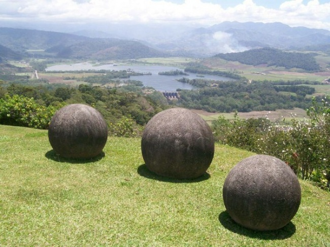 obiecte misterioase, Sferele de piatră din Costa Rica