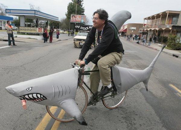 3. Bicicleta rechin