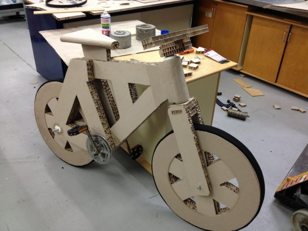 5. Bicicleta de carton