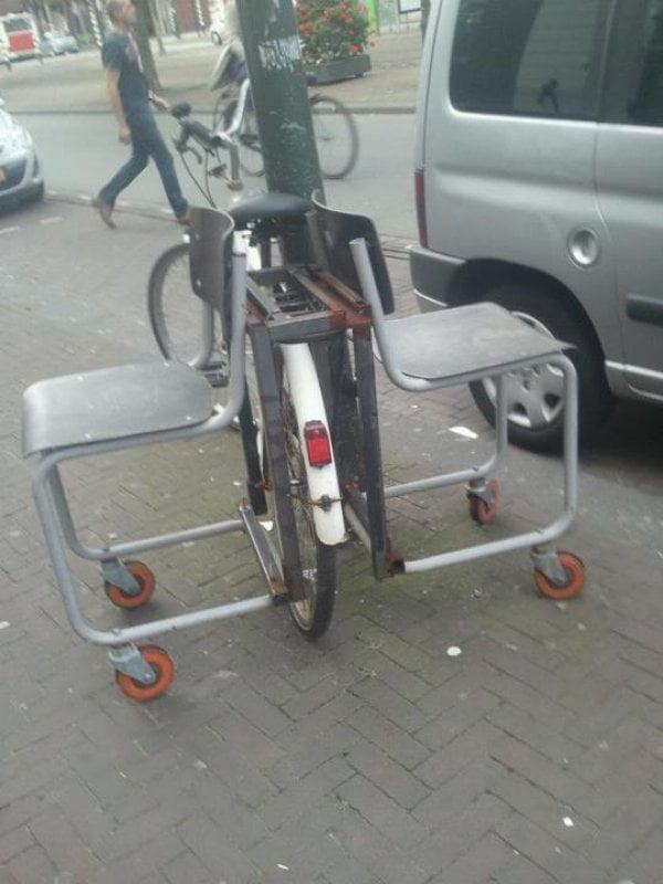 biciclete ciudate 6. Bicicleta cu scaune