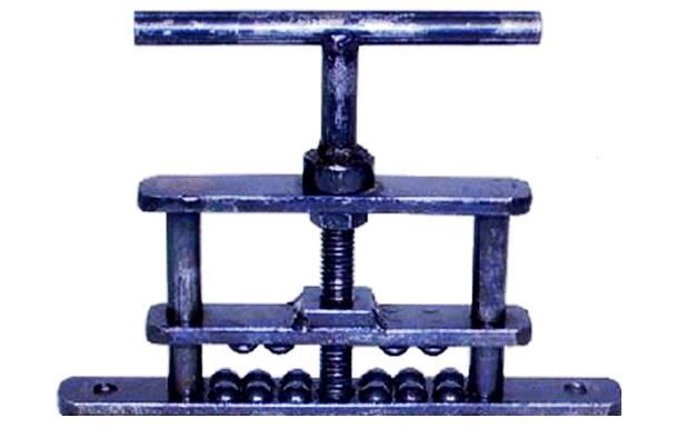 10. pedepse medievale - metode de tortura - tortura cu surubul
