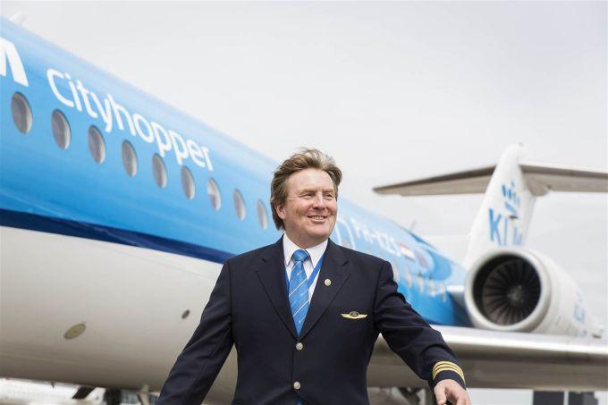 Regele Olandei - Avion