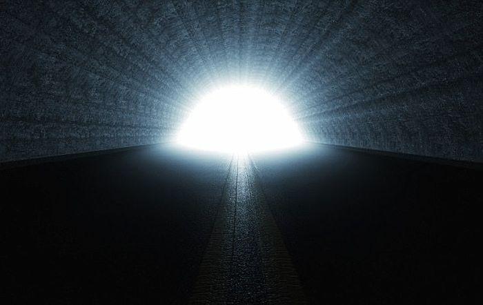 moarte clinica viata de apoi - tunel