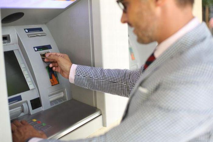 Hoții de buzunare - ATM