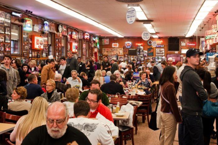 Hoții de buzunare - Restaurant
