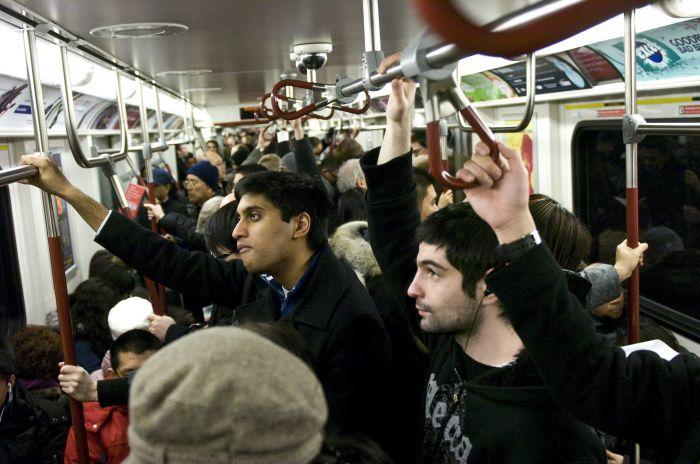Hoții de buzunare - metrou
