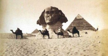 Sfinxul din Egipt - Ingropat in nisip