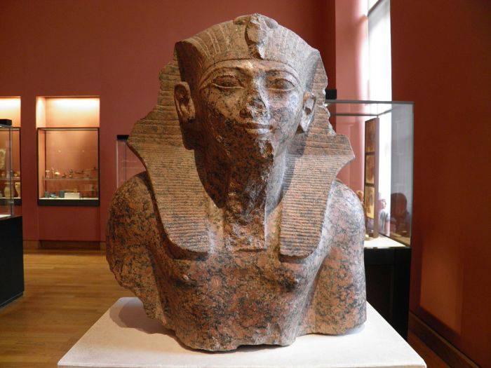 Sfinxul din Egipt - Tutmes IV