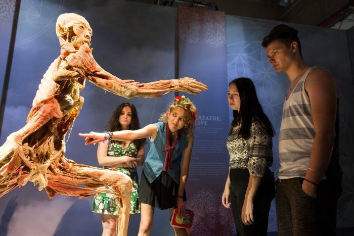 Expozitia corpul uman - oameni si exponate