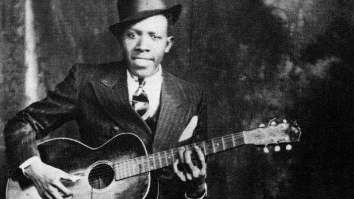 Muzicieni misteriosi - Robert Johnson