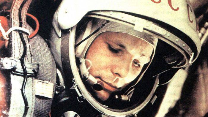 cosmonauti pierduti in spatiu iuri gagarin_compressed