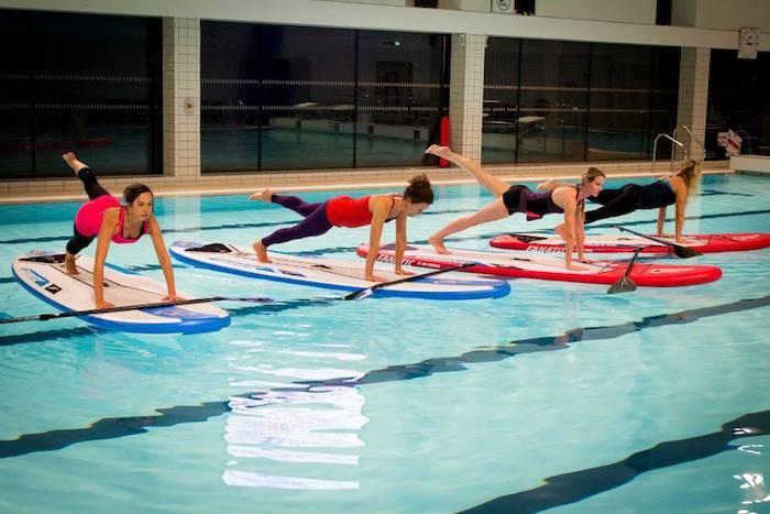 Exercitii fizice - Yoga in apa