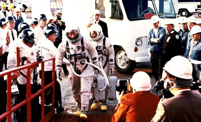 Gemini 3 - Inainte de lansare