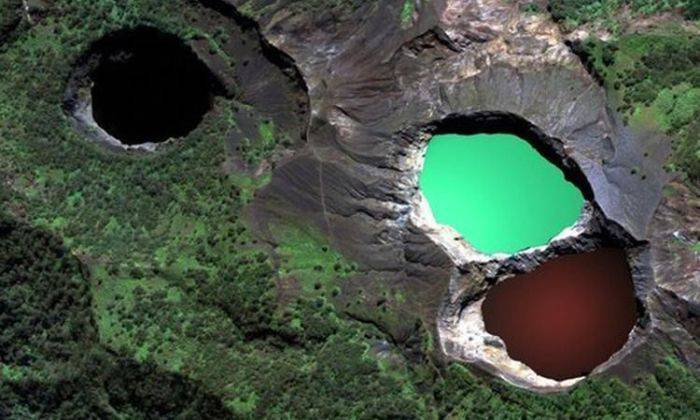 Minuni ale naturii - Lacuri tricolore
