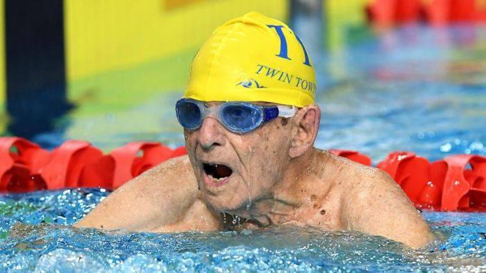 recordul mondial la înot