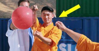 <mark>VIDEO</mark> Un călugăr shaolin străpunge cu acul un panou de sticlă