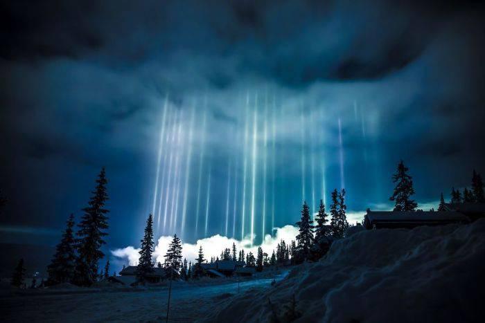 Fenomene unice - Stalpi de lumina