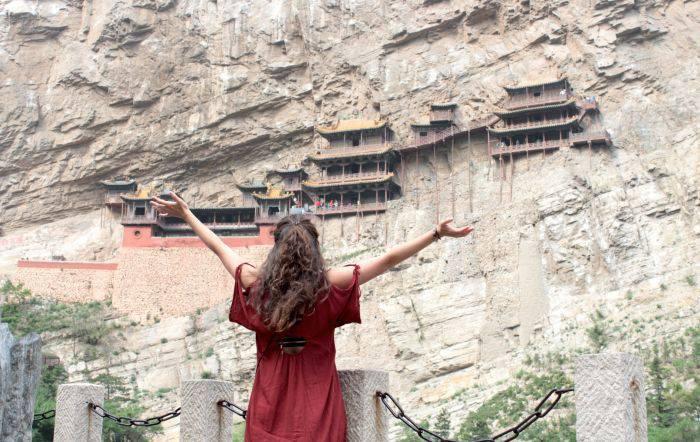 Manastiri - Hanging 02