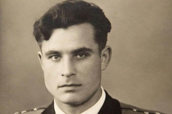 Vasili Arhipov - 01