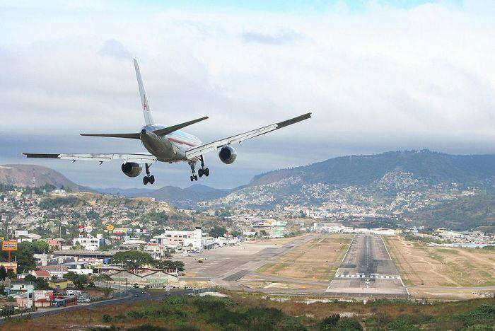 Cele mai periculoase aeroporturi - Toncontin