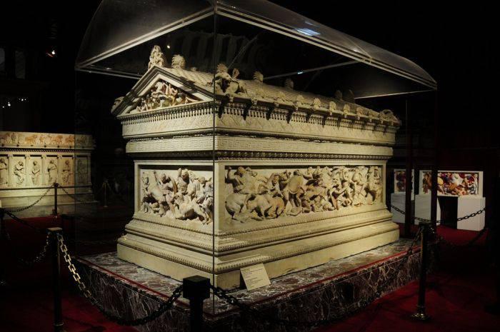 Mistere arheologice - Mormant Alexandru cel Mare