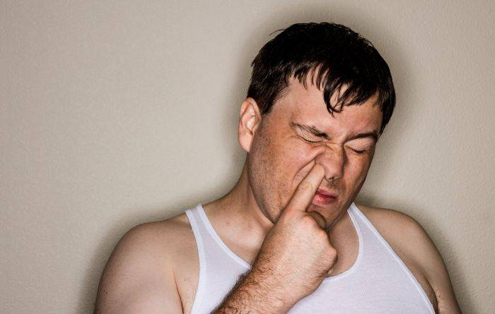 10 motive pentru care oamenii sunt atât de scârboși muci_redimensionat_compressed