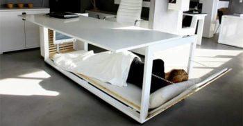 Biroul-pat, soluția pentru pentru cei care vor să doarmă la locul de muncă