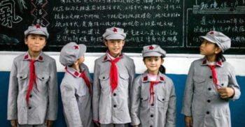 China introduce uniformele cu cipuri și GPS pentru monitorizarea elevilor