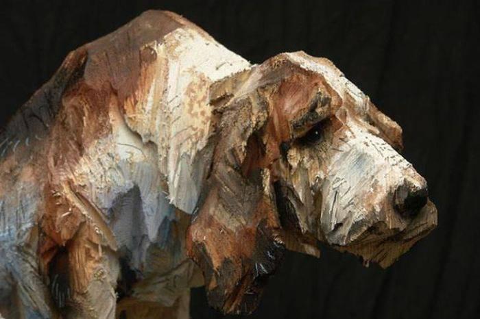 sculpturi în lemn