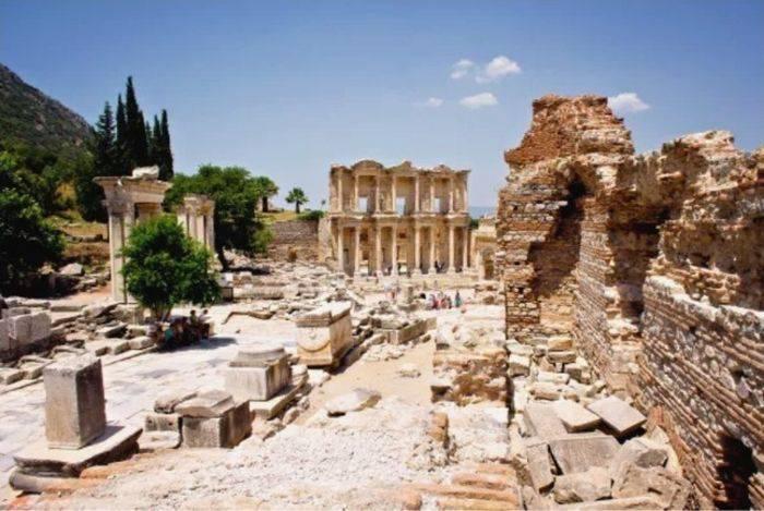 minuni ale lumii antice templul lui artemis din efes