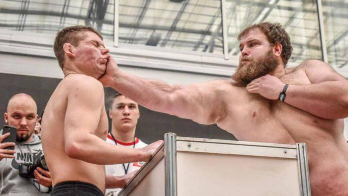 Campionatul de dat palme - Vasili Kamotski