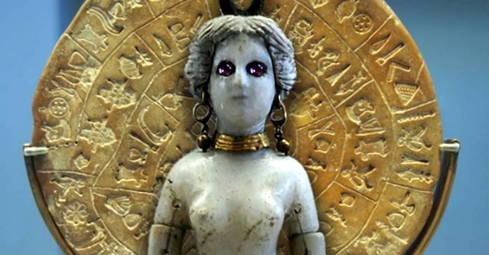 Discul din Phaistos, un mister antic încifrat într-o limbă dispărută FEATURED_comp