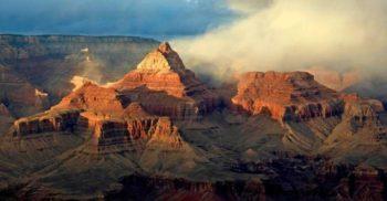 """7 curiozități despre Marele Canion, misteriosul """"templu"""" de piatră din SUA"""