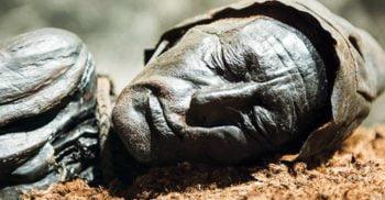 7 mistere istorice dezbătute intens de savanți