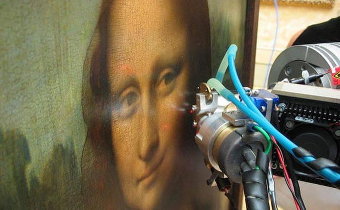 Mona Lisa coduri secrete