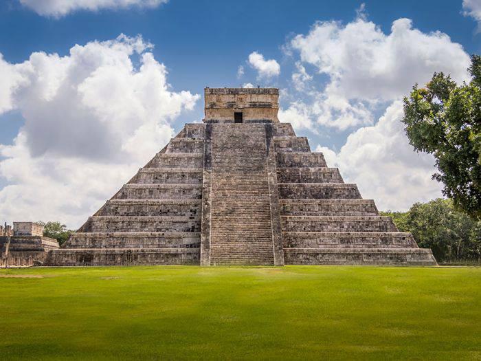 Piramidele mayașe
