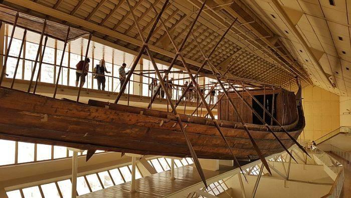 Barca lui Keops muzeu
