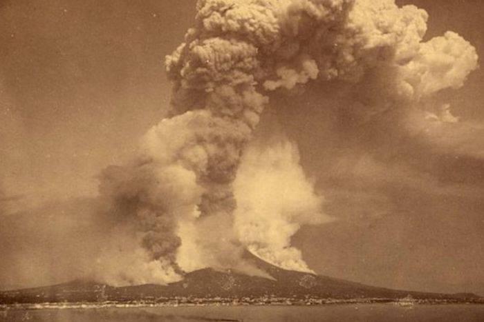 Vulcanul Krakatau 01