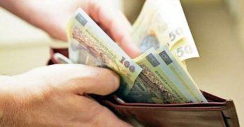 """Experimentul """"cinstea"""": Ce fac, de fapt, oamenii când găsesc un portofel cu bani"""