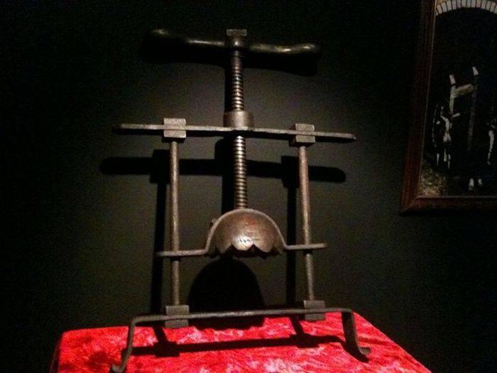 Instrumente de tortura - zdrobitorul de capete
