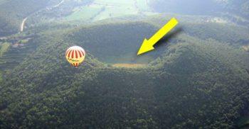Schitul cu origini misterioase din craterul vulcanului Santa Margarida