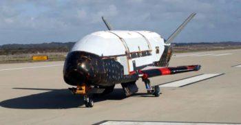 X-37B, un avion cu o misiune secretă, zboară în jurul Pământului de 719 zile