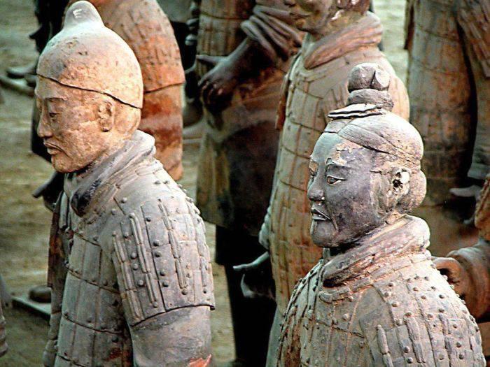 armata de teracotă