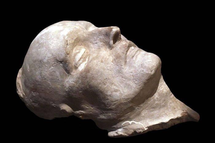 Masca mortuara Napoleon 03