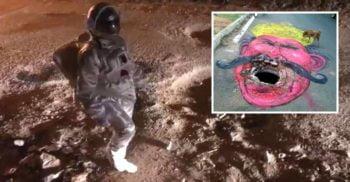 """Un indian s-a îmbrăcat în astronaut ca să atragă atenția asupra """"craterelor"""" din drum"""