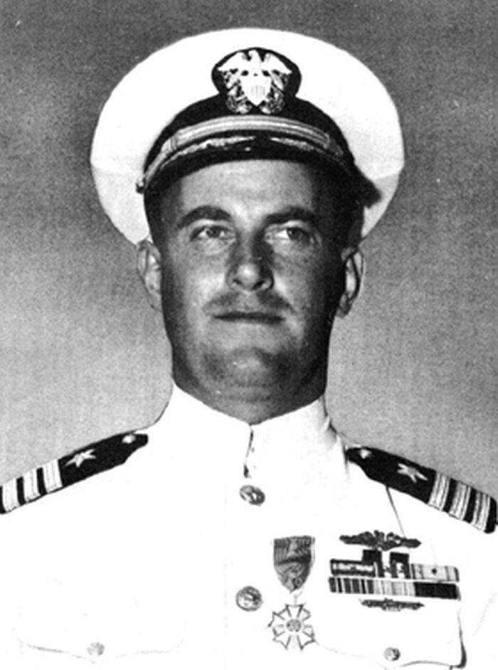 Comandantul USS Tang