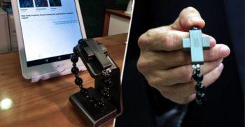 """Vaticanul a lansat eRozariul """"Dă click și roagă-te"""", la 99 de euro"""