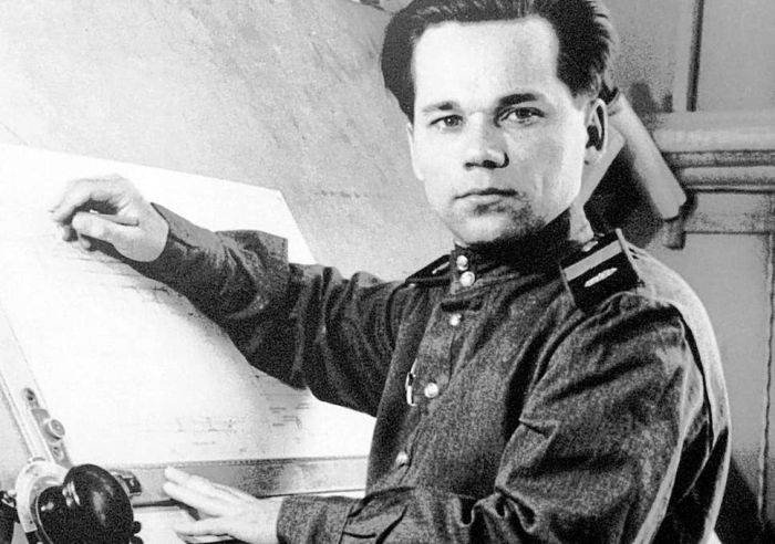 Mihail Kalasnikov tanar