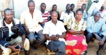O femeie din Uganda s-a măritat cu trei bărbați deodată după un mariaj monogam eșuat